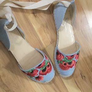 Jessica Simpson embroided flats